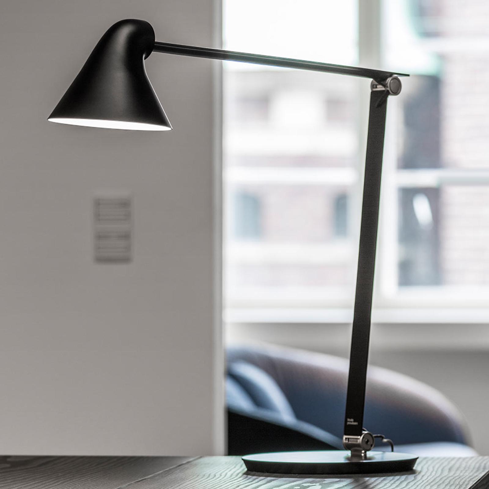Louis Poulsen NJP, stolní lampa noha 2700 K černá