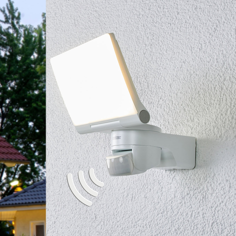 XLED Home 2 XL - LED-vägglampa med sensor