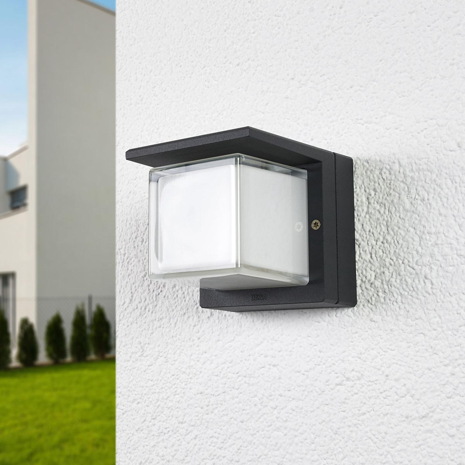 Bega LED-utevegglampe 33327K3 avblendet på en side