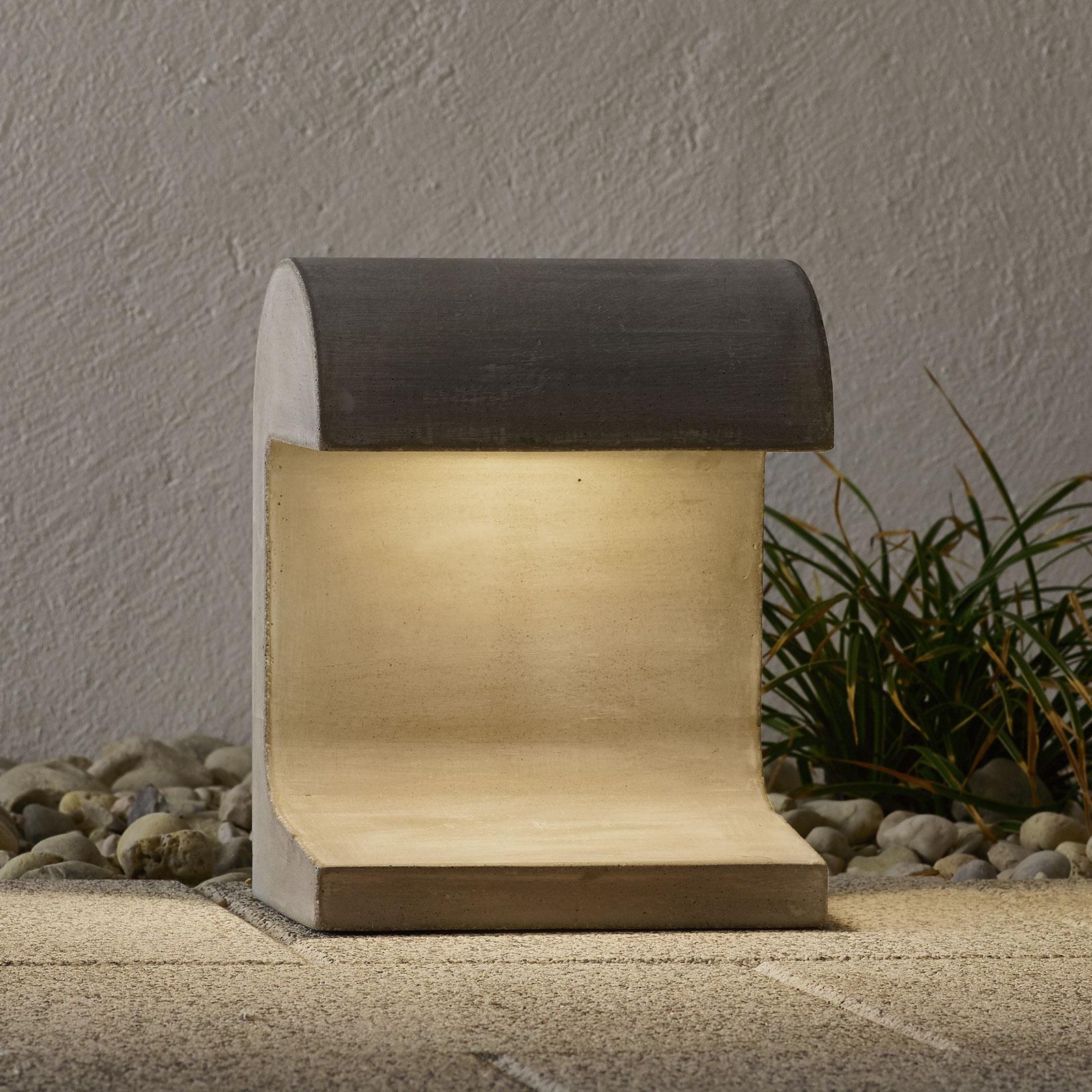 FLOS Casting Concrete - LED-Sokkellampe, 3.000 K