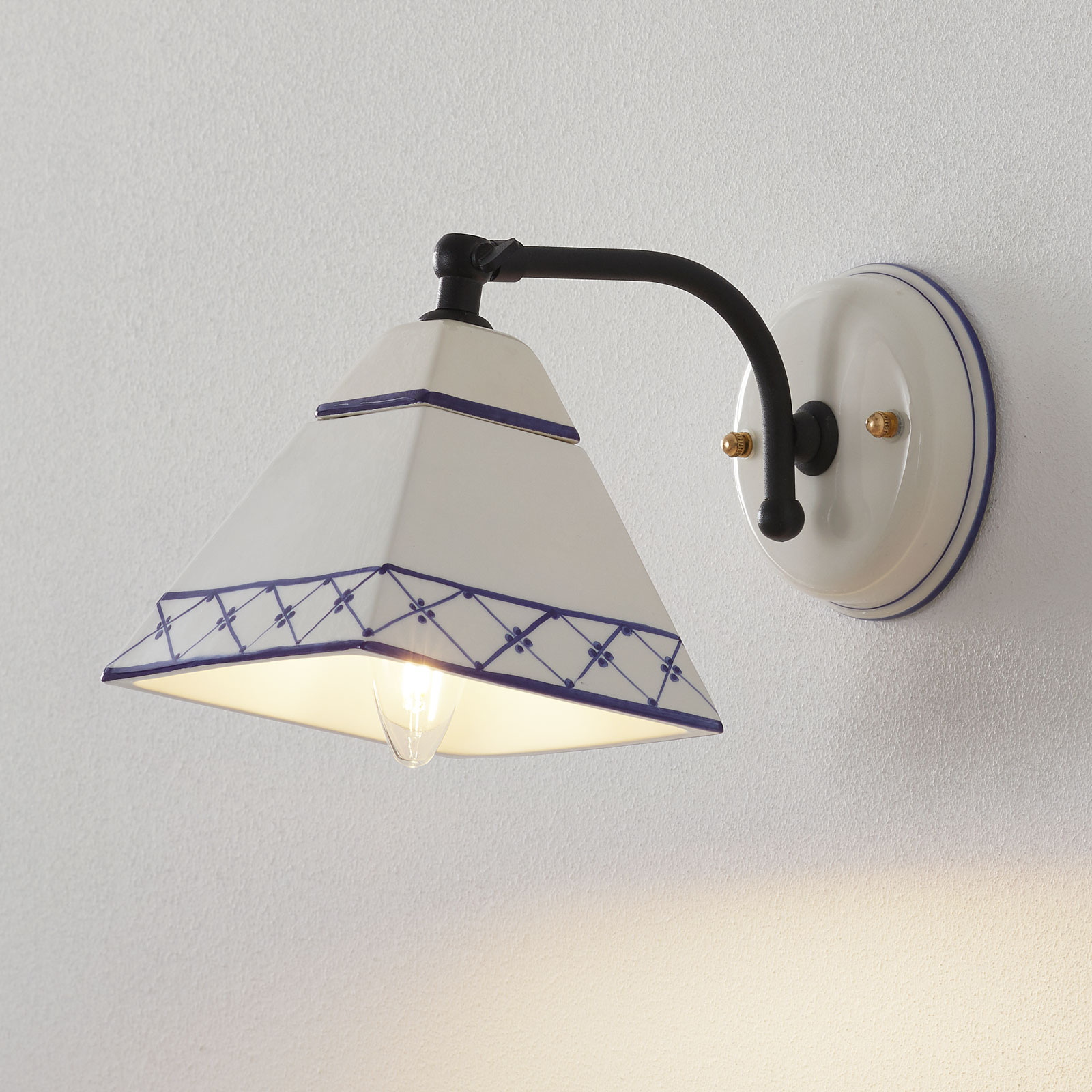 Vägglampa Murano i lantlig stil