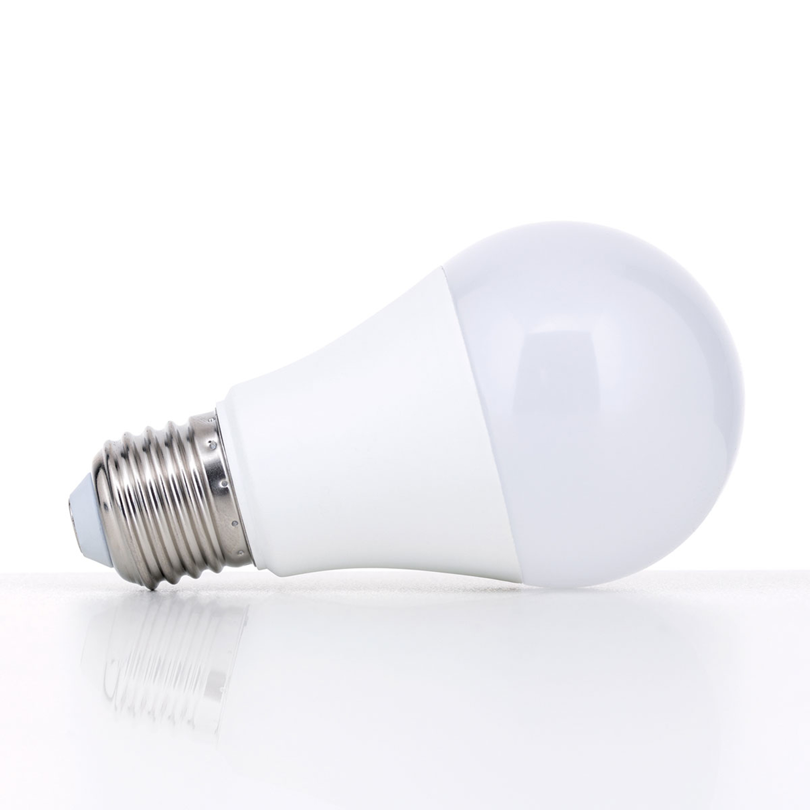 E27 LED lamp 5W warmwit, opaal, niet dimbaar