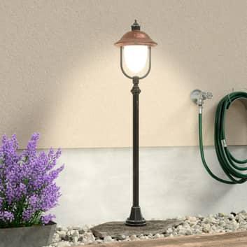 Aantrekkelijke tuinpadverlichting Peggy met koper