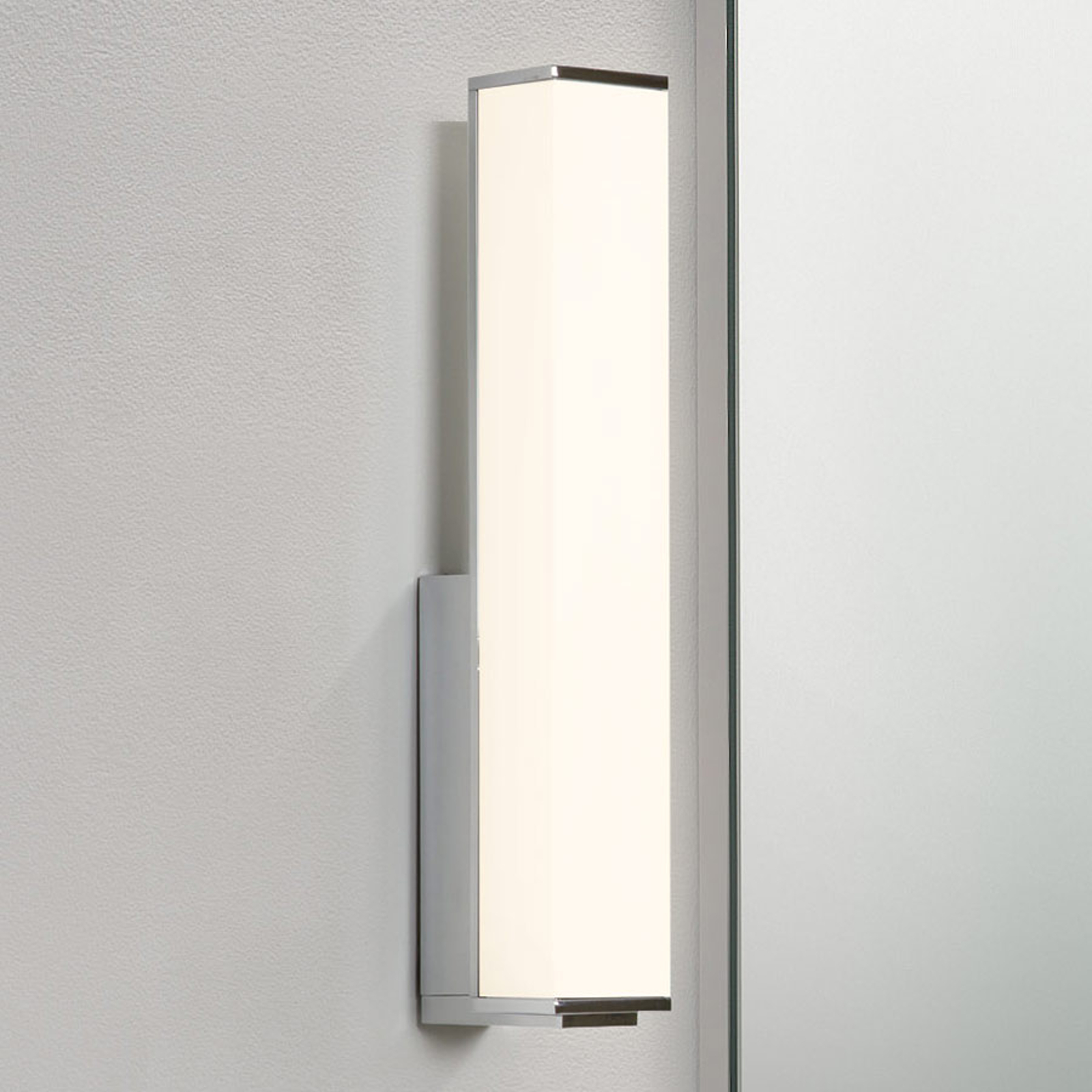 LED spejllampe Karla til badeværelset