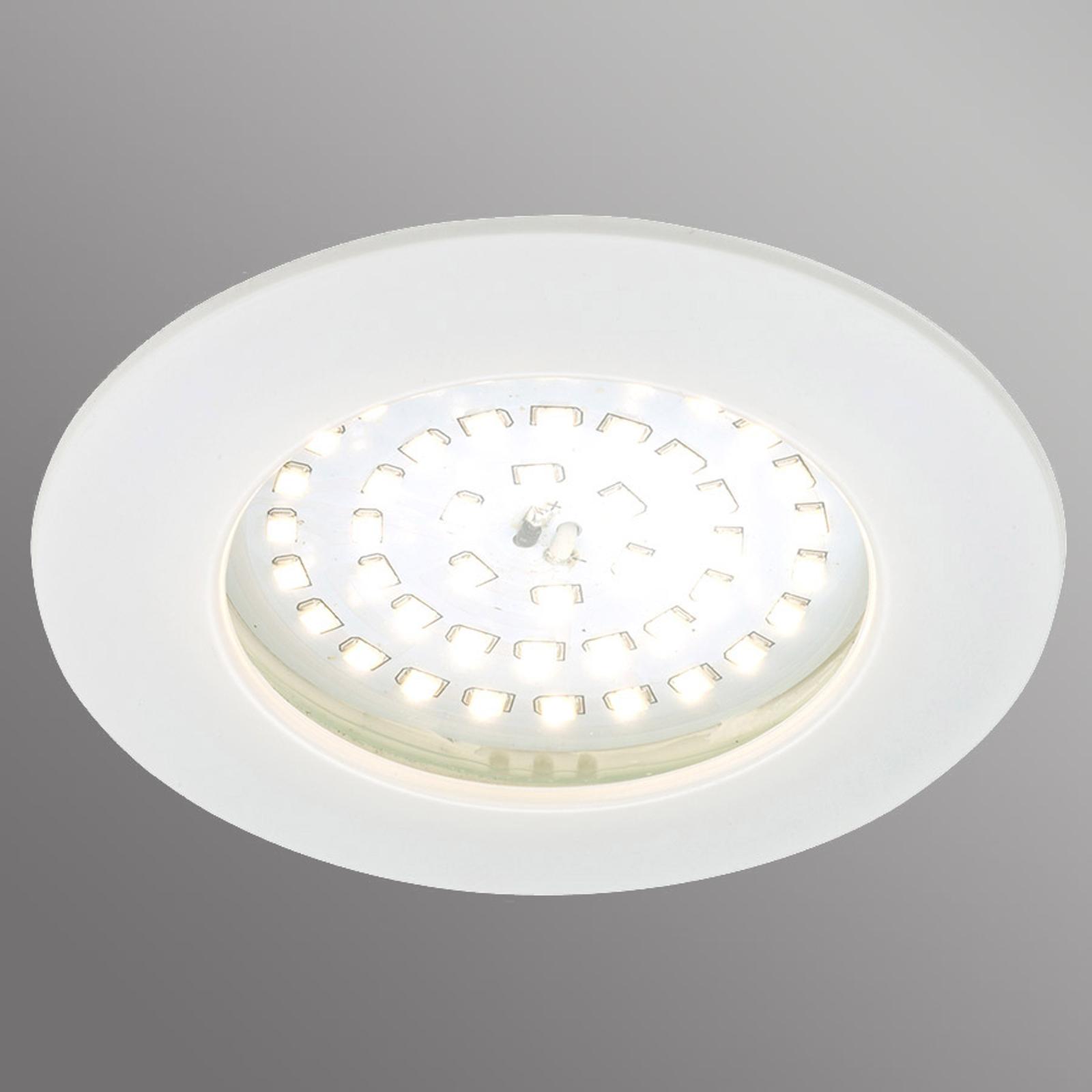 Biała oprawa wpuszczana LED Carl na zewnątrz