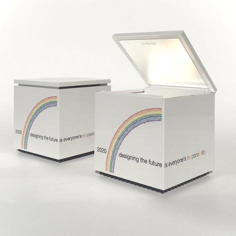 Cini&Nils Cuboluce stolní lampa edice 2020