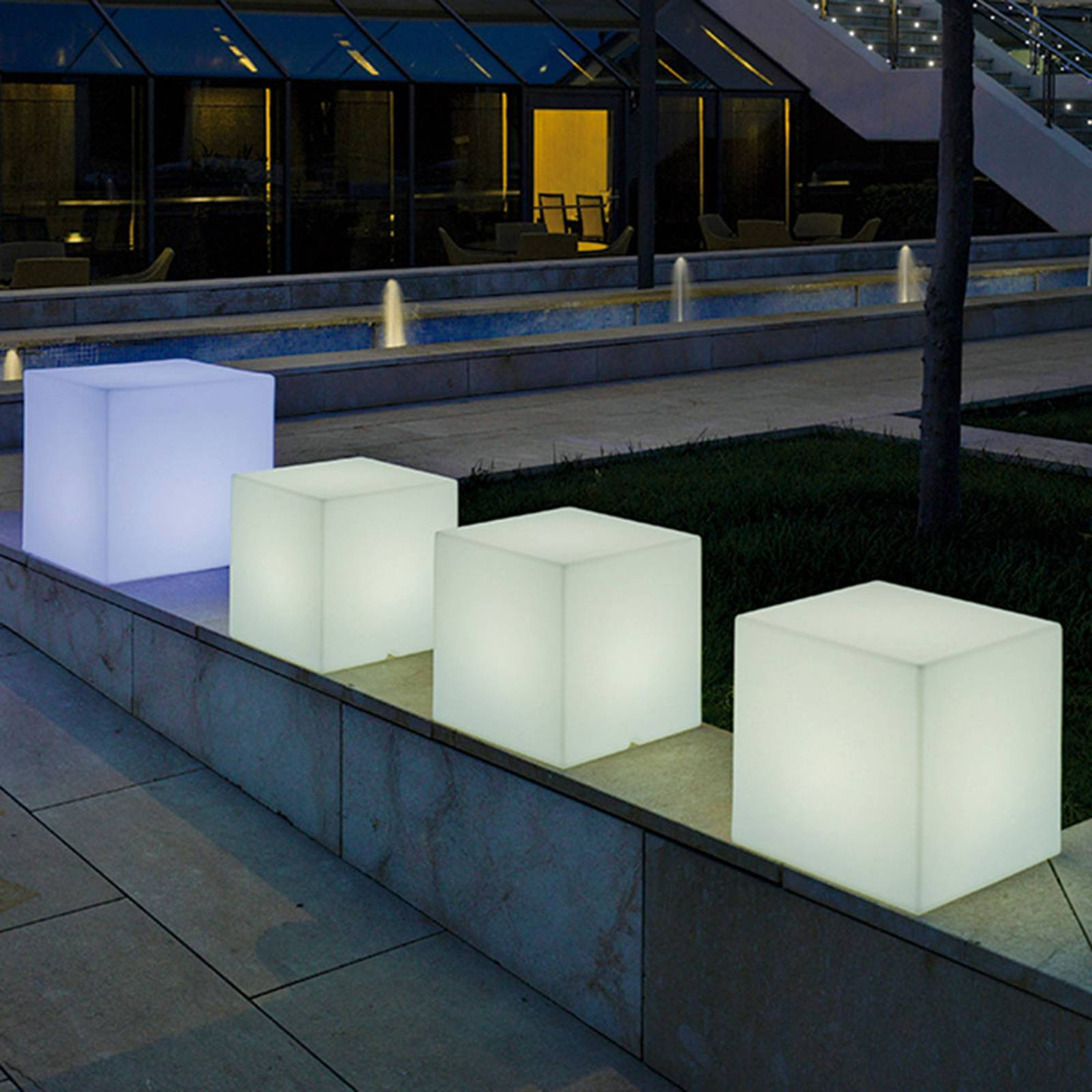 Newgarden lampa solarna Cuby kostka, 20 cm