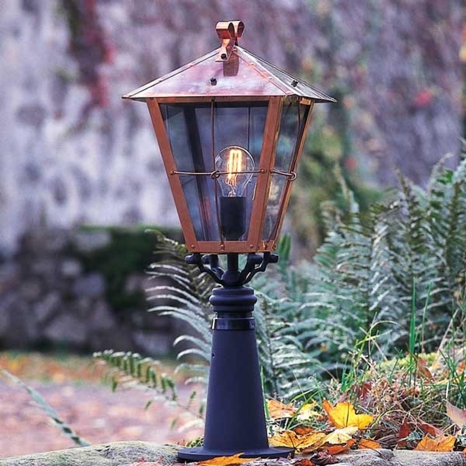Słupek oświetleniowy Fenix w kolorze miedzi, 66,5