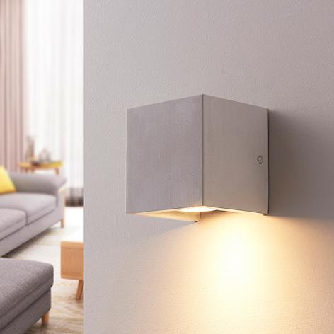 Hranatá betonová nástěnná lampa Gerda