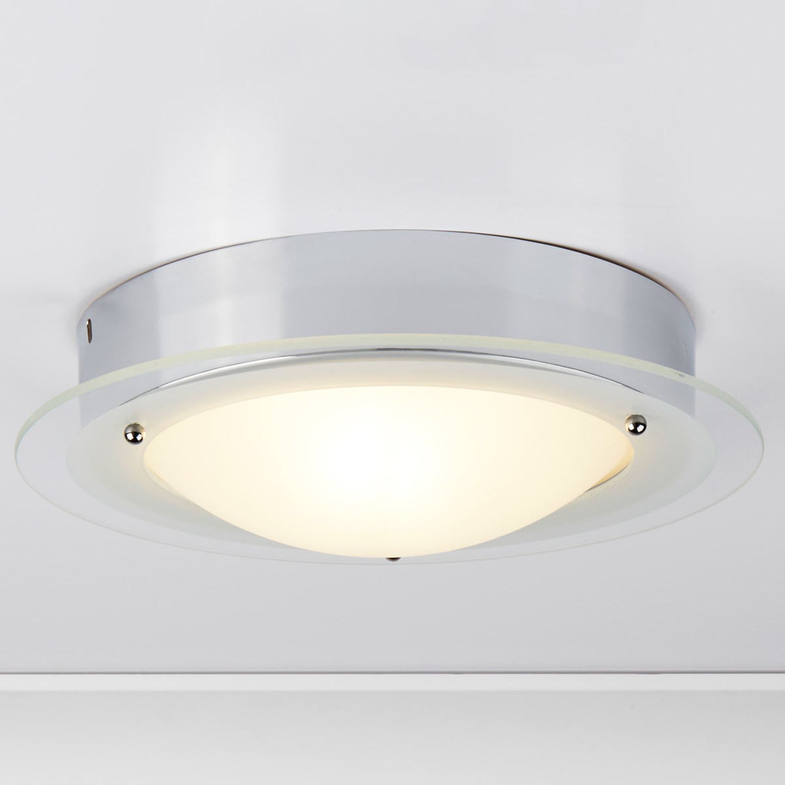 JUNA - lampa sufitowa ze szkłem do łazienki
