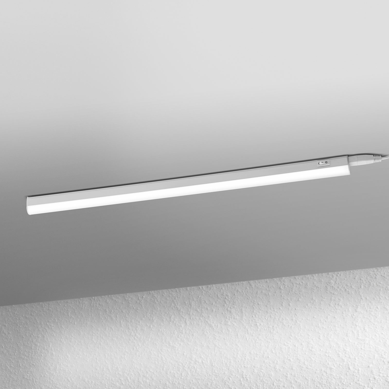 LEDVANCE Batten lampada LED da mobili 60cm 4.000K