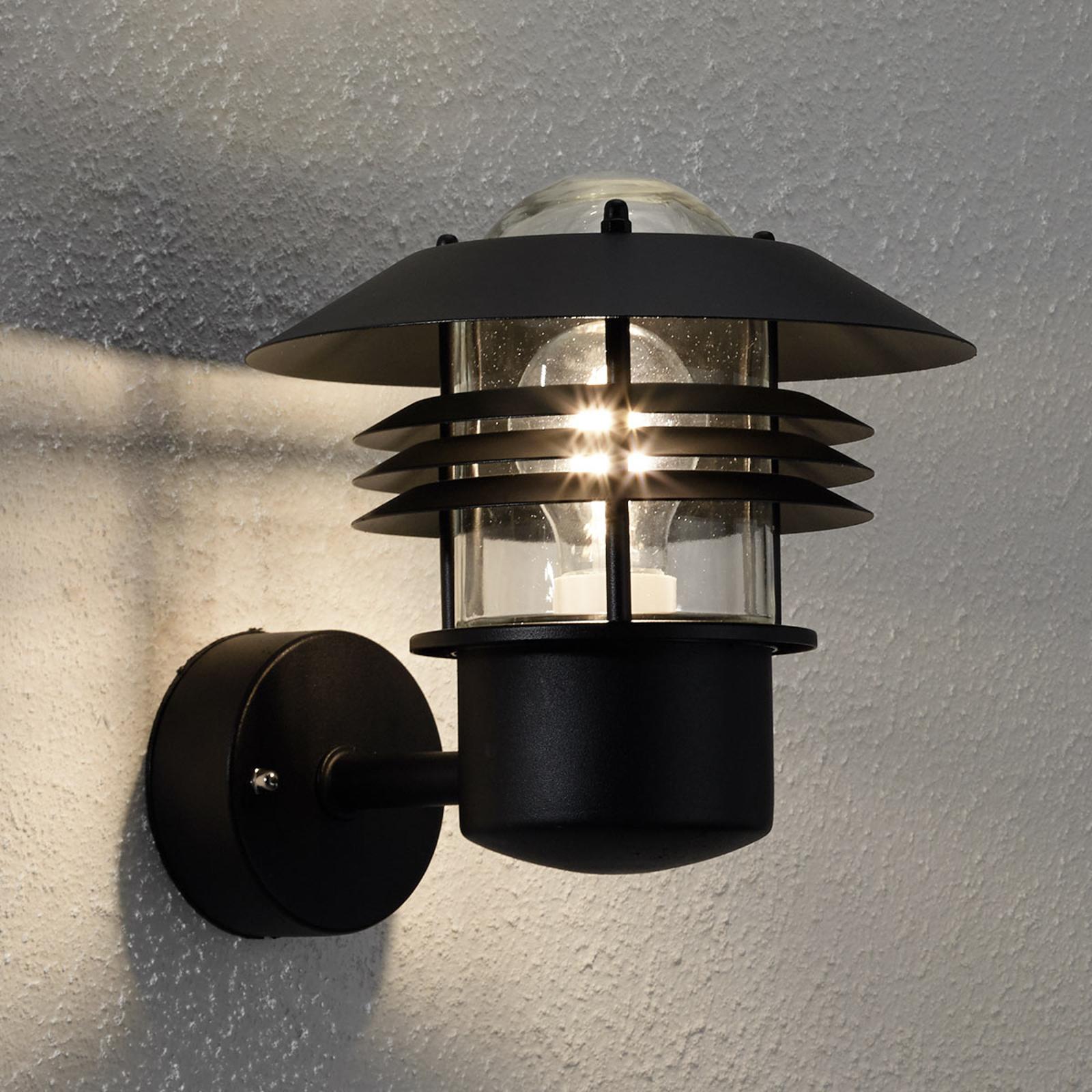 Efektowna zewnętrzna lampa ścienna Vejers czarna