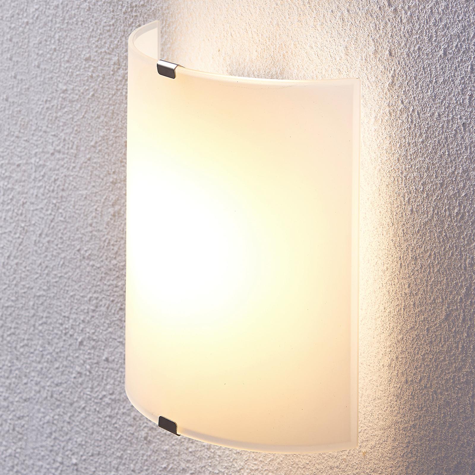 Halbrunde LED-Wandleuchte Helmi mit Glasschirm kaufen