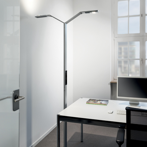 Luctra Floor Twin Linear lampadaire LED à 2 lampes