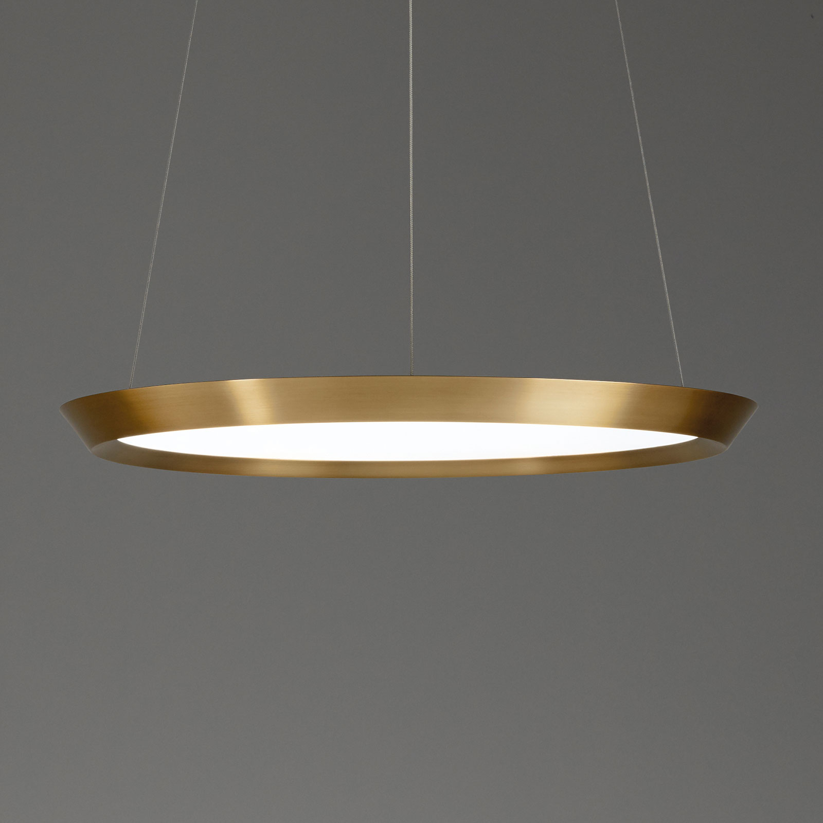 Grok Saturn LED-Hängelampe messing satin, Ø 60 cm