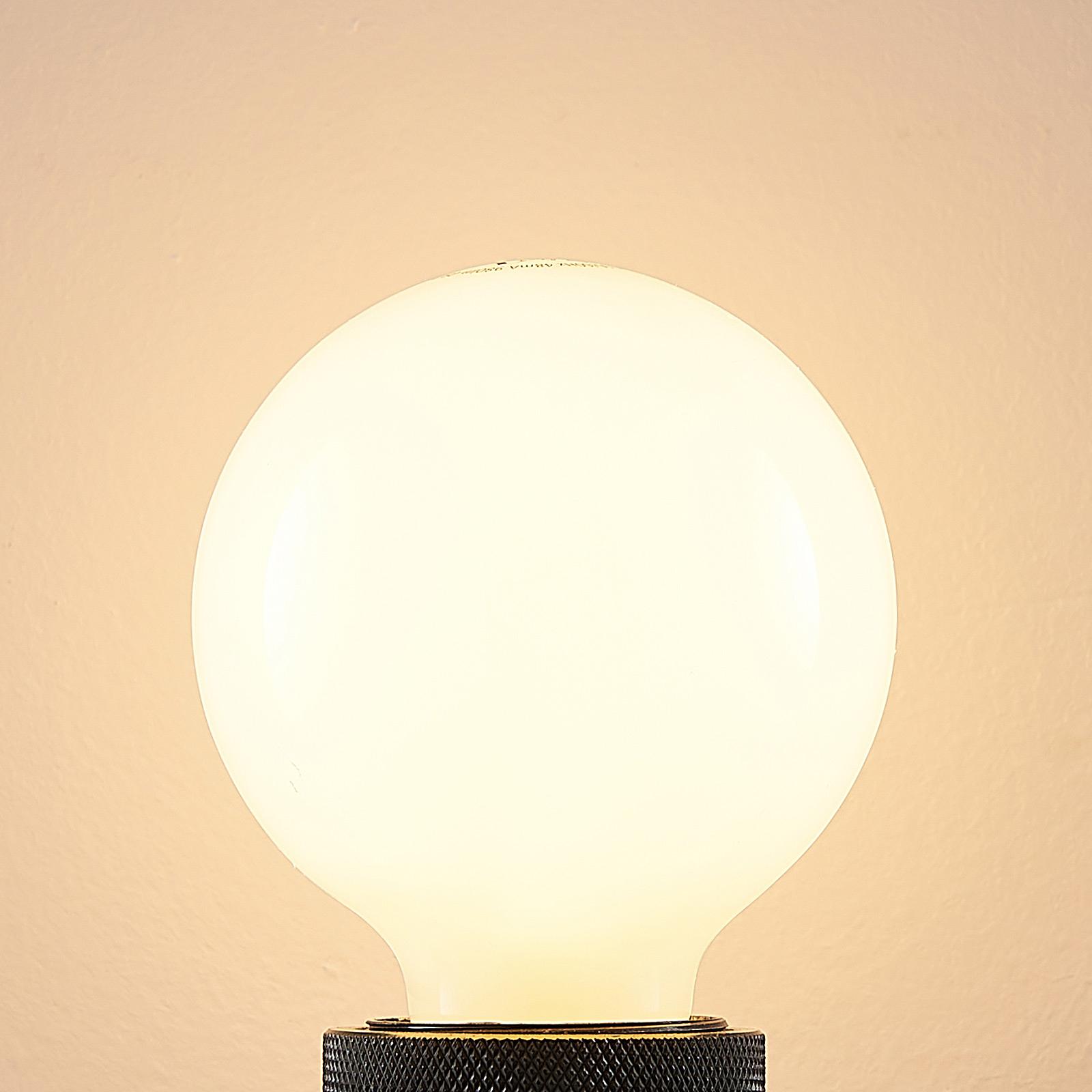 LED-pære E27 8 W 2700K varmhvit, dimbar, opal