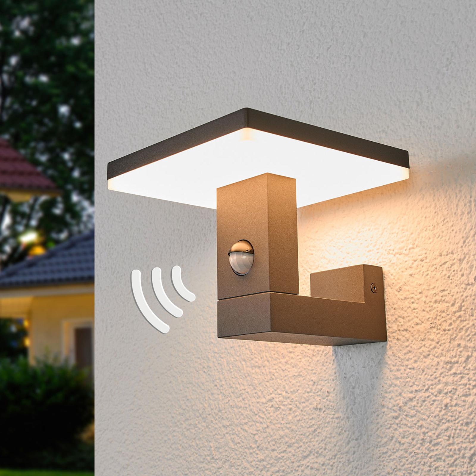 Utendørs LED-vegglampe Olesia med bevegelsessensor