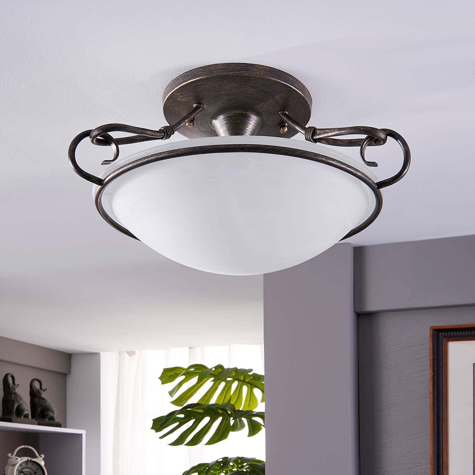 Szykowna lampa sufitowa Rando w stylu dworkowym