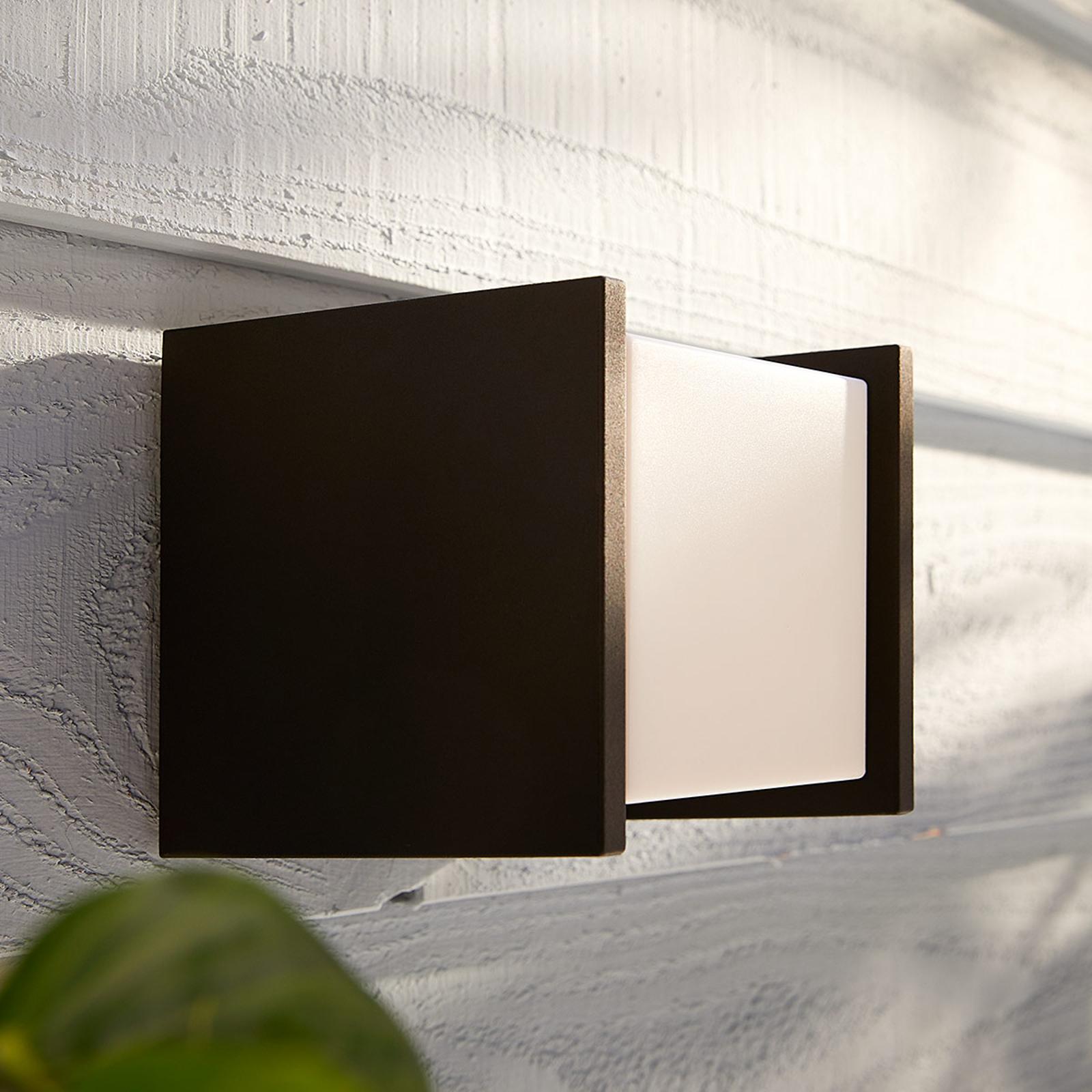 Philips Hue White Fuzo udendørsvæglampe, 13x14cm