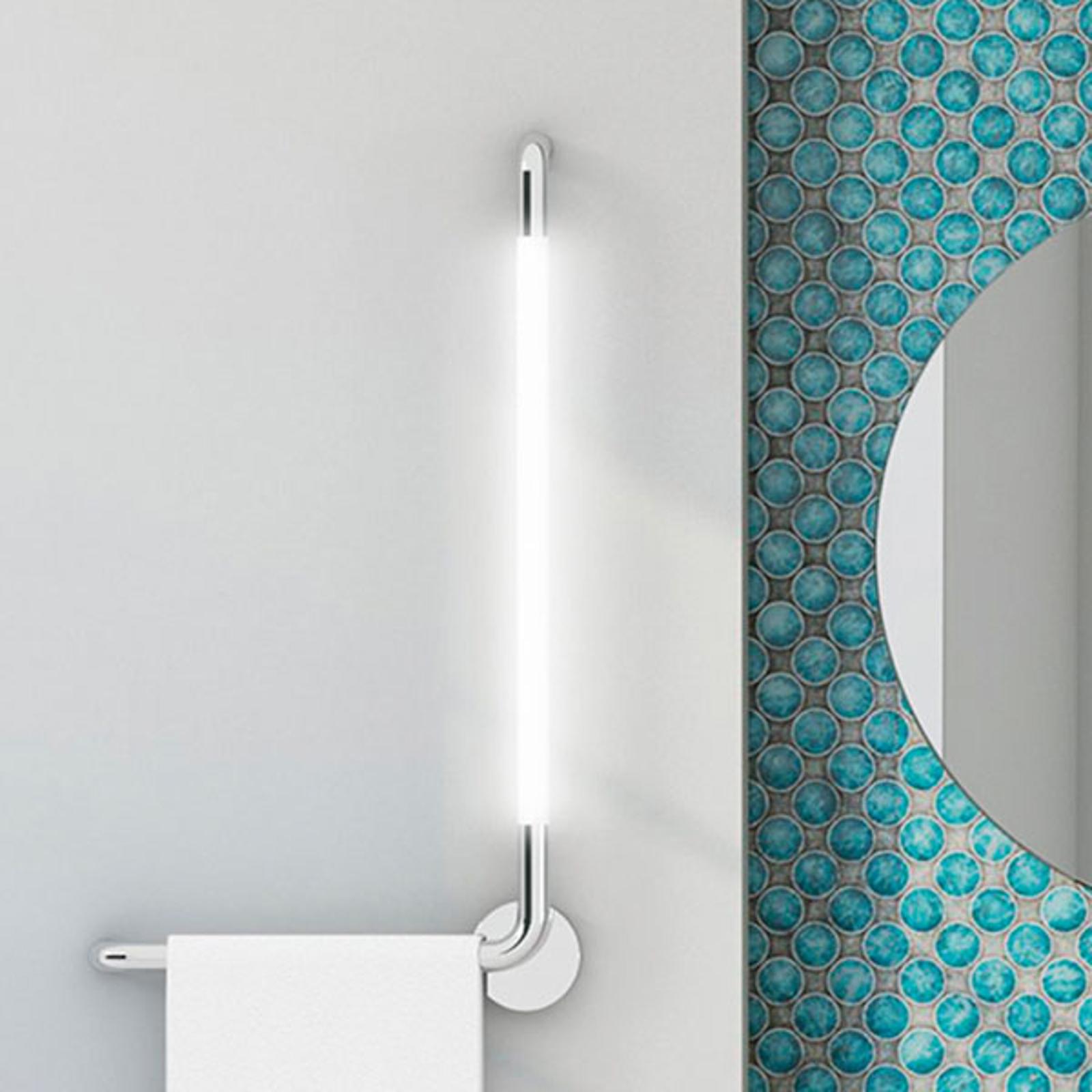 LED-vegglampe til bad Tubus, høyrejustering