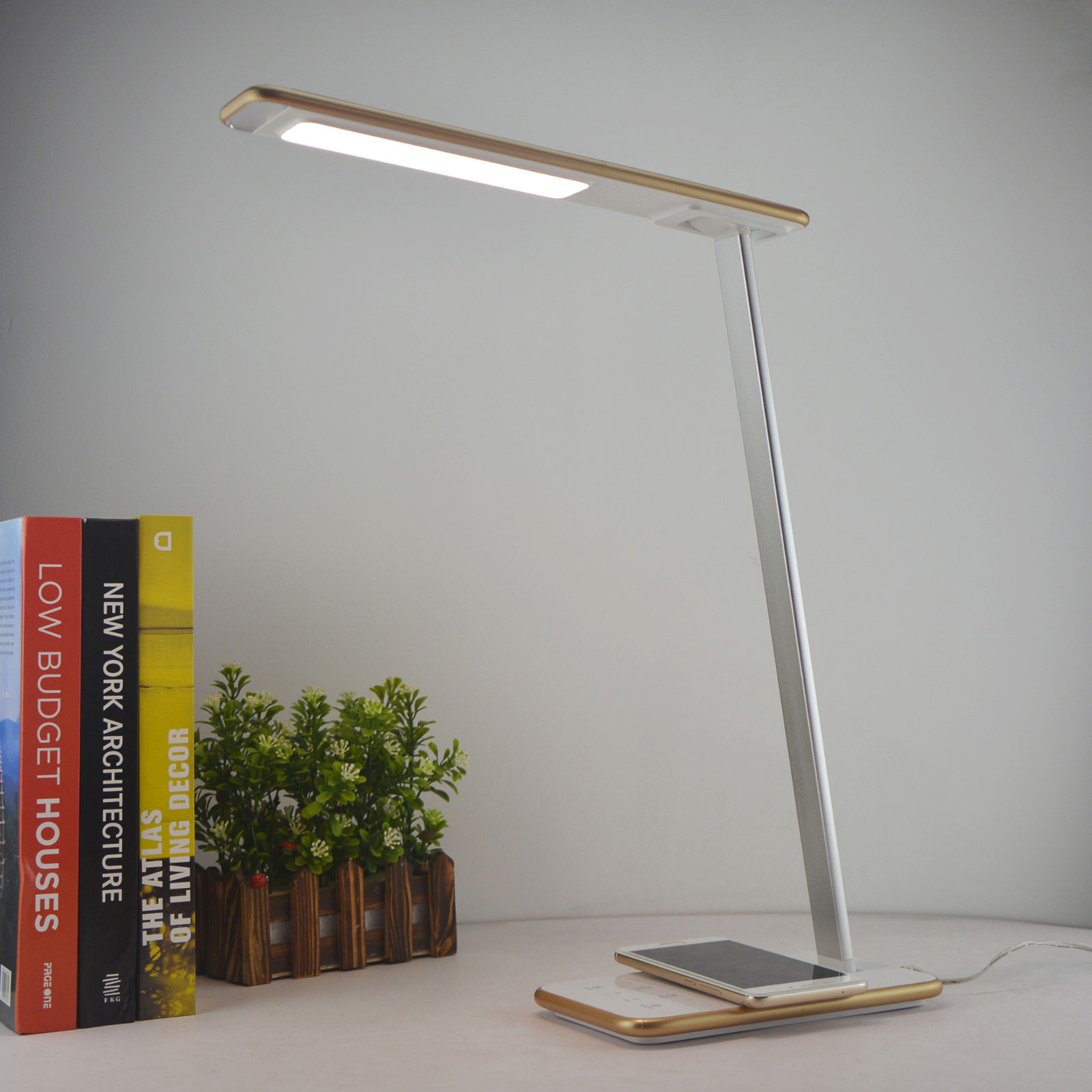 Lampe de bureau LED Orbit avec induction, dorée