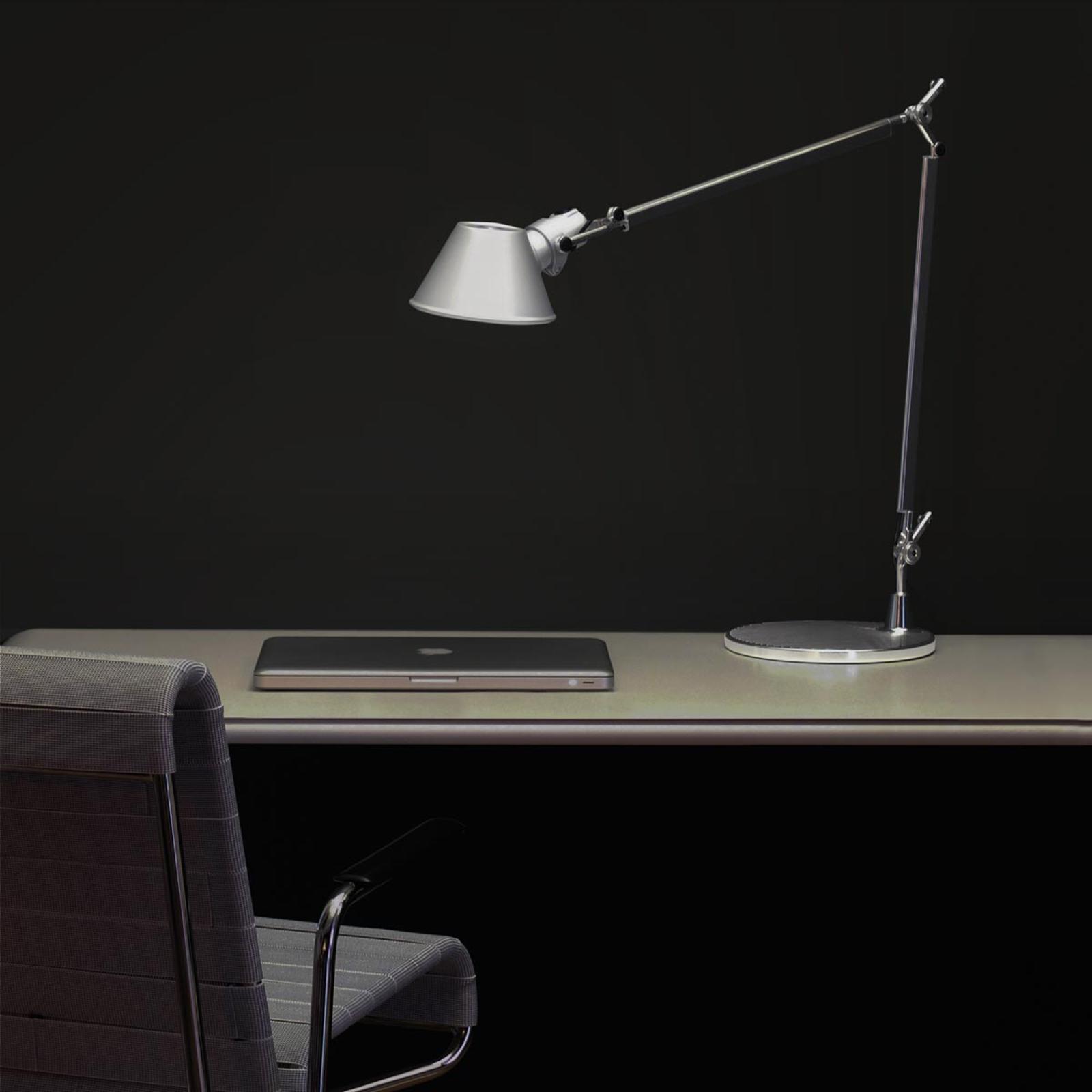 Klassinen design-pöytävalaisin Tolomeo Tavolo