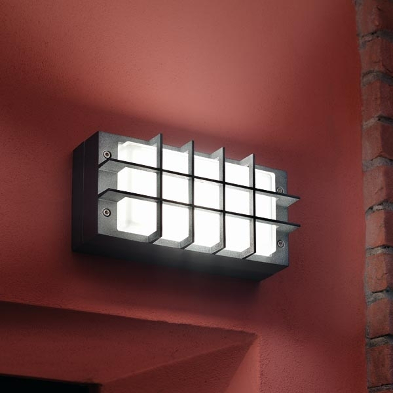 Moderne buitenwandlamp BLIZ GUARD, antraciet