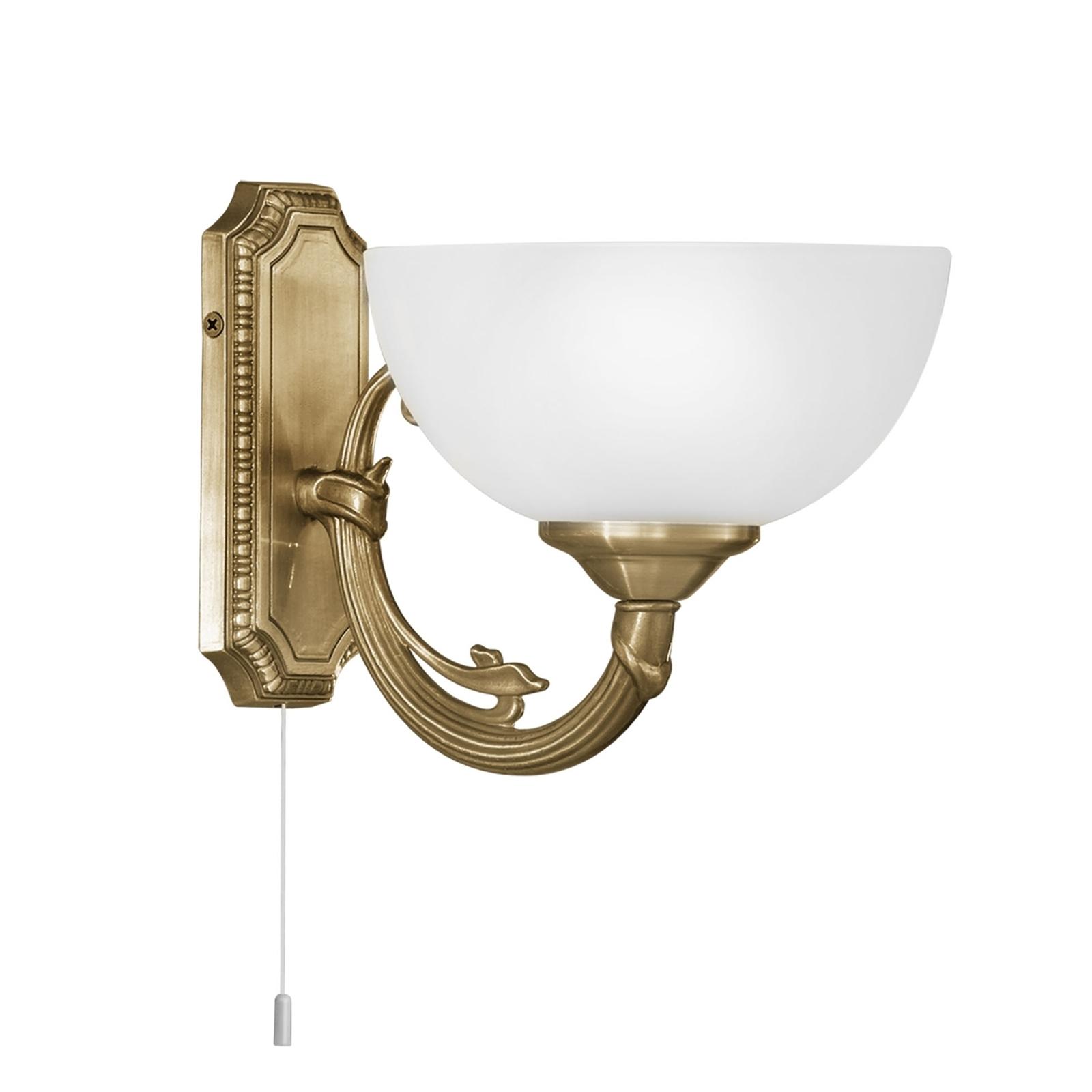 Væglampen Savy, en lyskilde