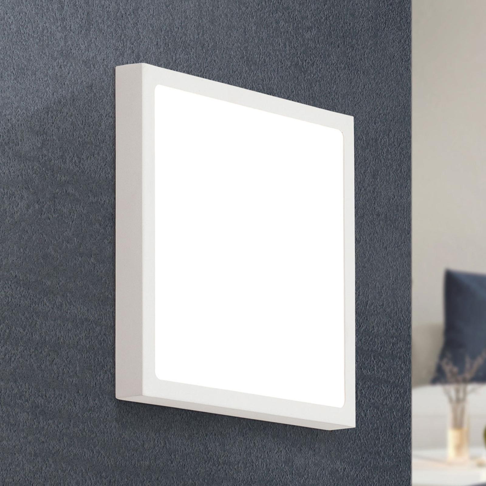 LED wandlamp Vika in vierkante vorm, 23 cm