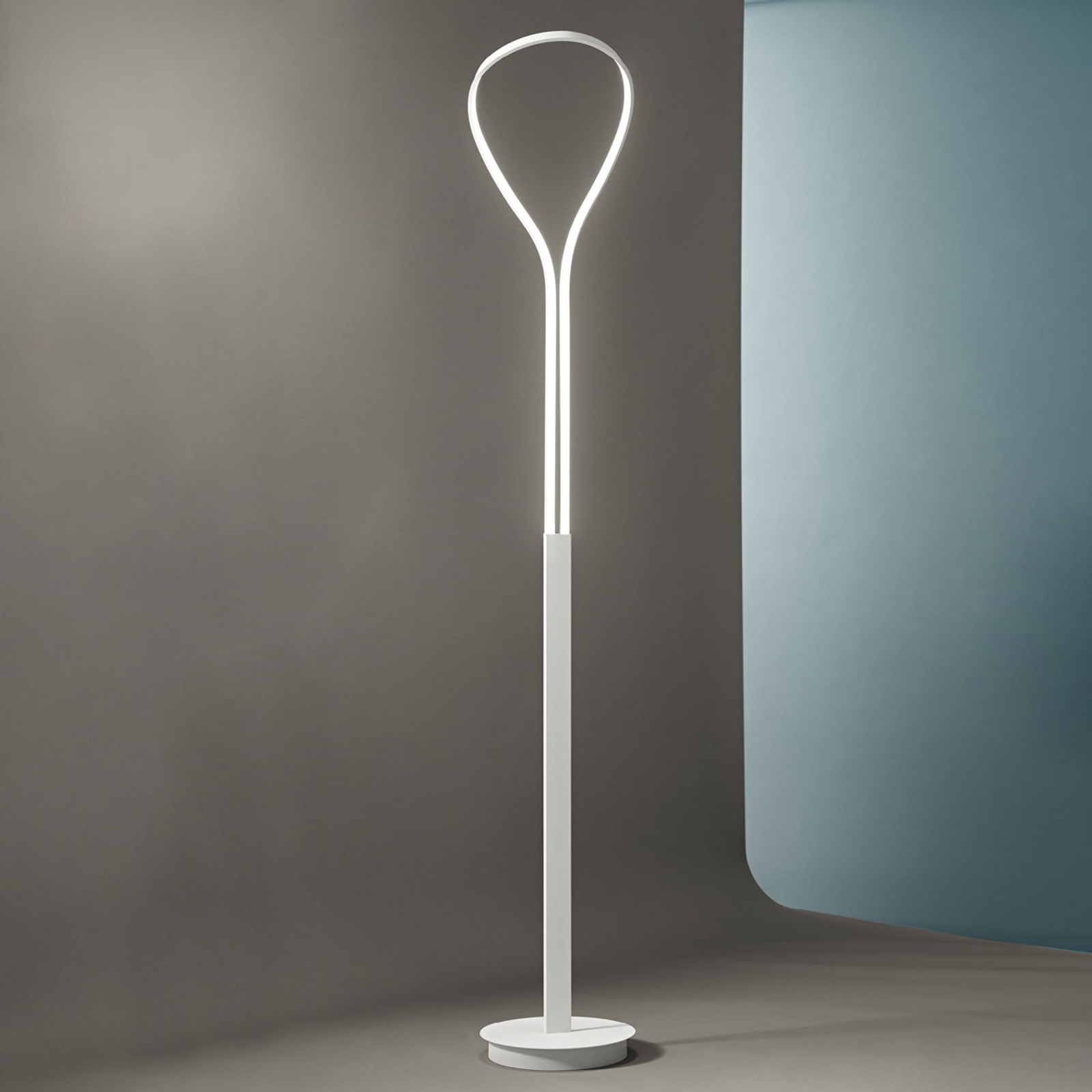 Lampa stojąca LED Blossom z aluminium
