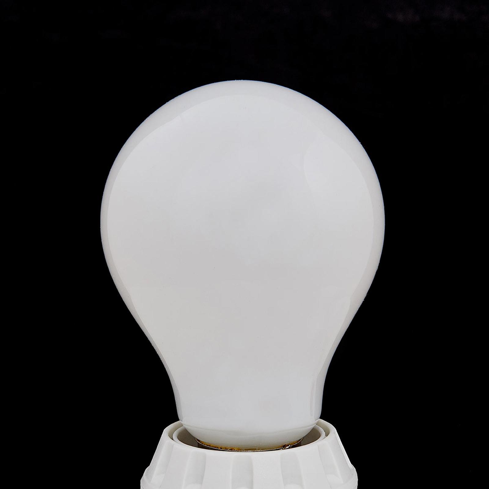 E27 LED lamp 8W, 1055 lm, 2.700K, opaal