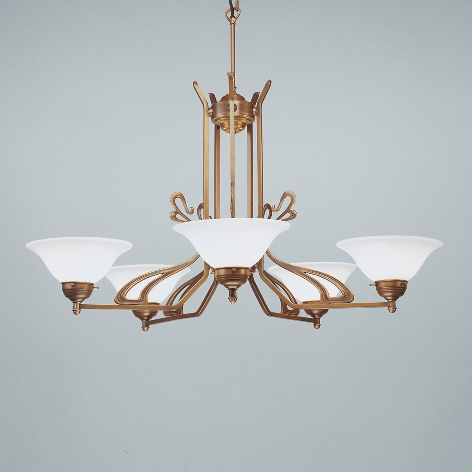 Richard perfectly-formed chandelier_1542077_1
