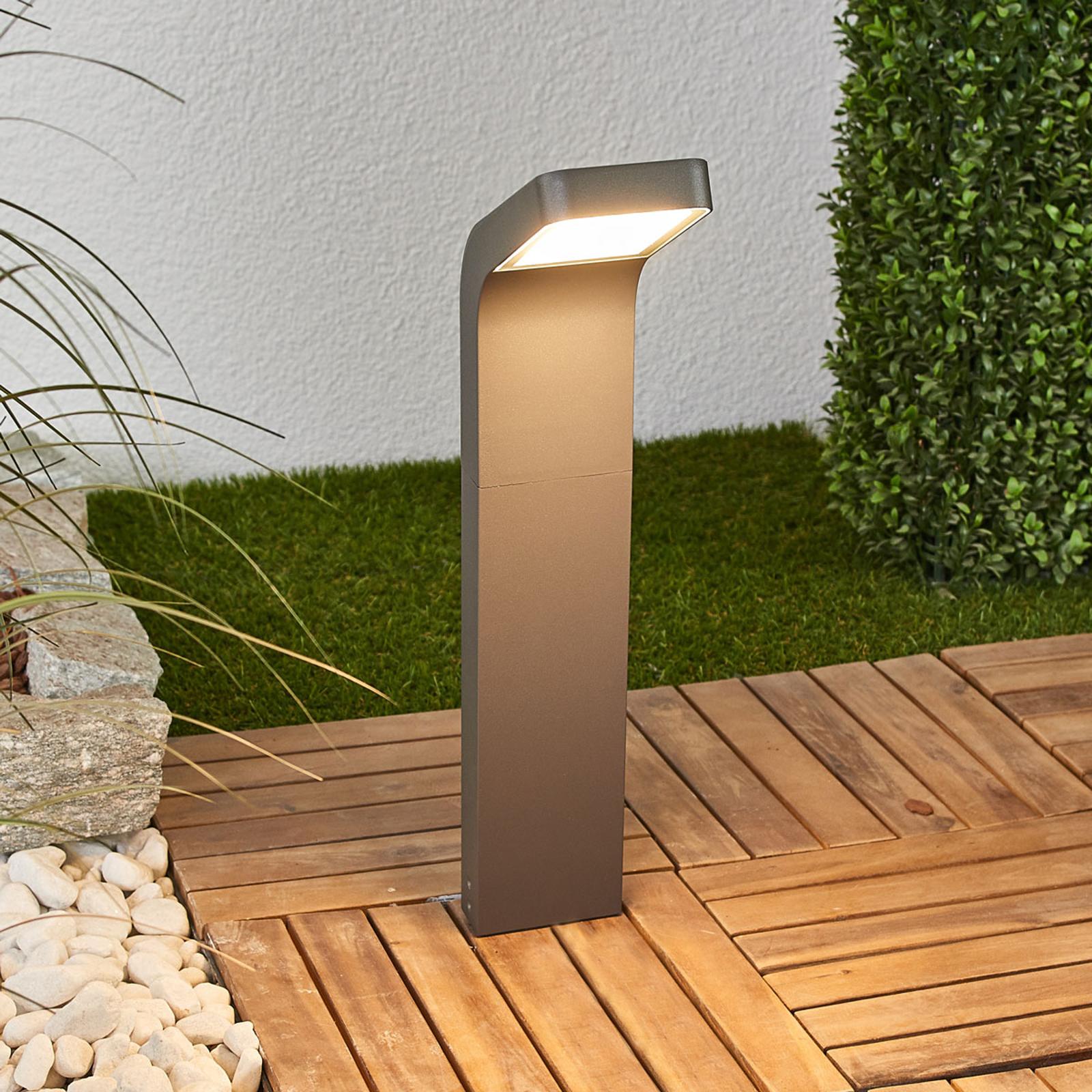 LED-Sockellampe Maddox, geneigt