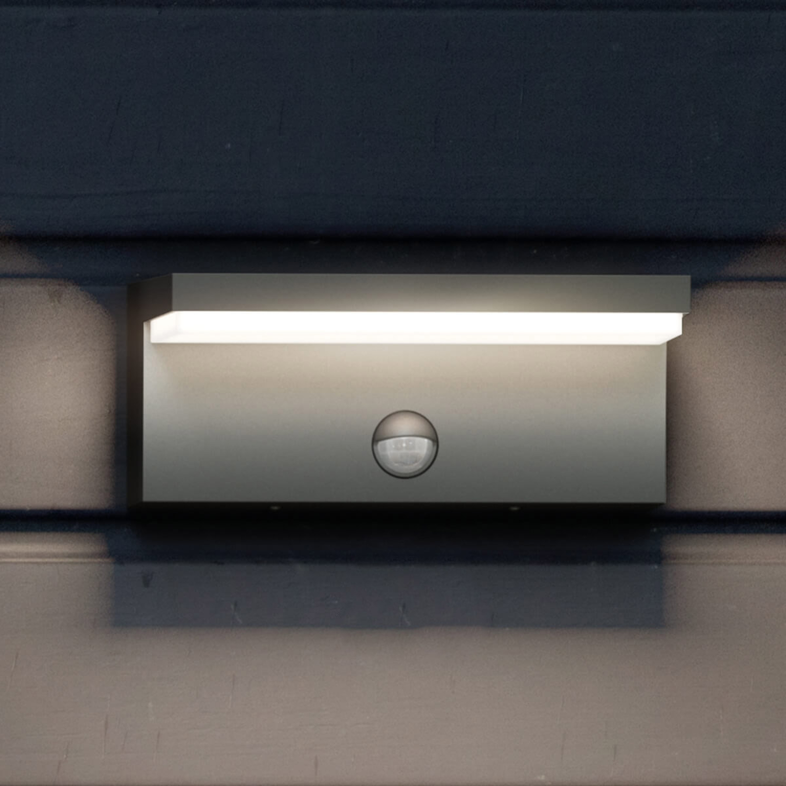 Philips Bustan IR - LED buitenwandlamp met sensor