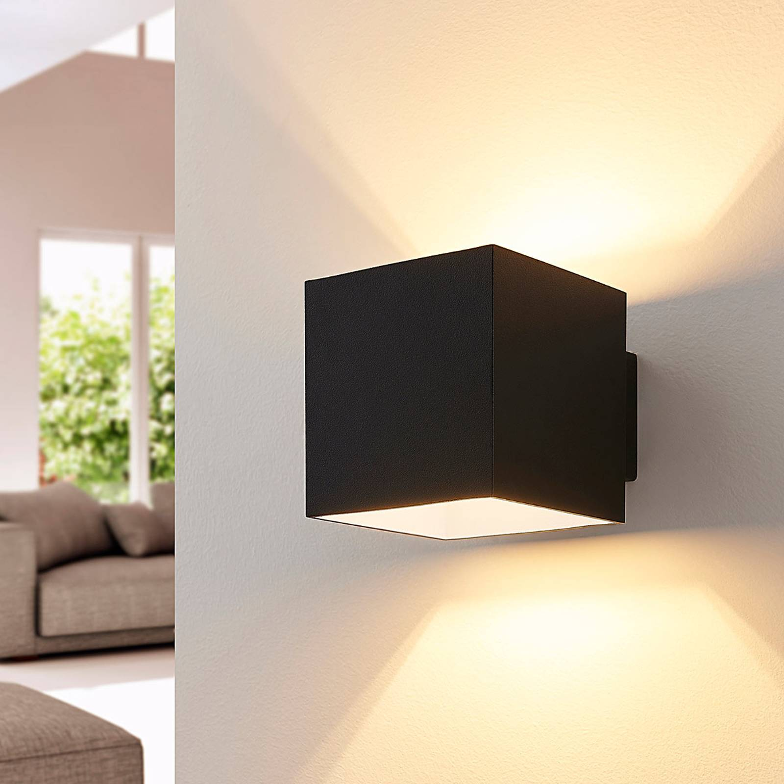 Applique LED Rocco di forma cubica nera