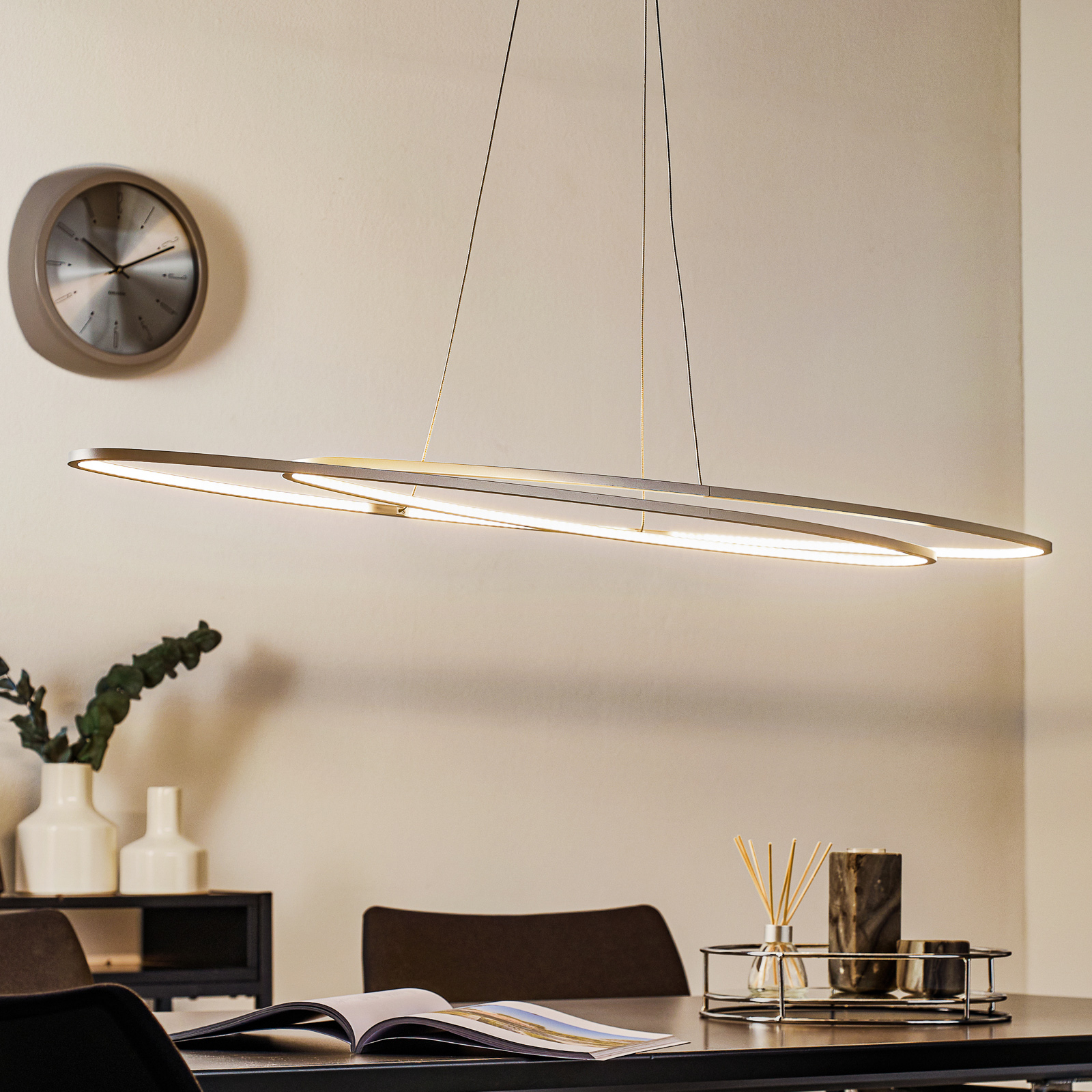 Bopp Flair - ovale LED-Hängeleuchte, alu