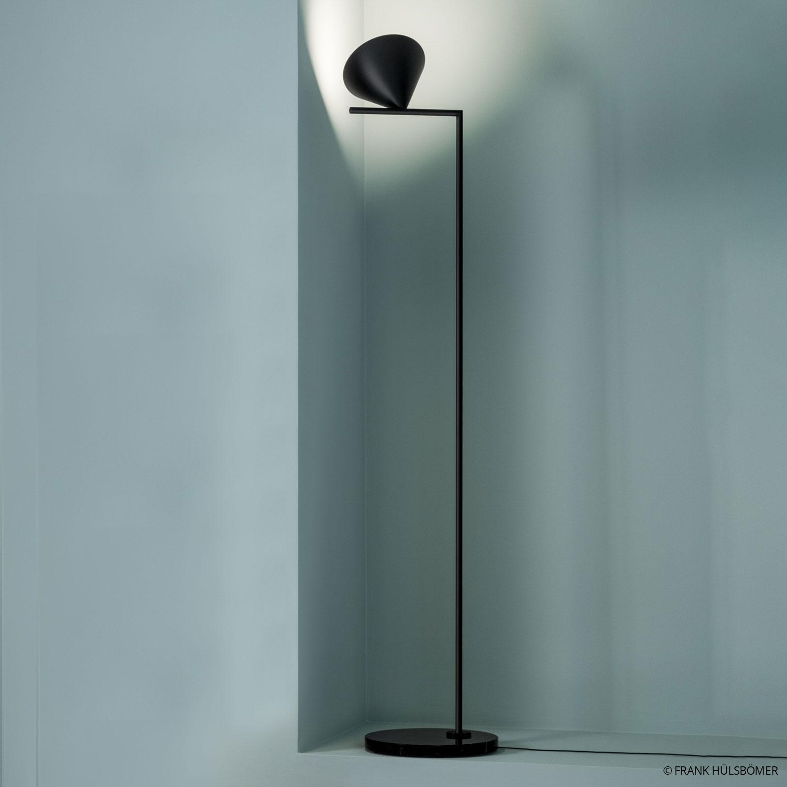Sort designer standerlampe Captain Flint
