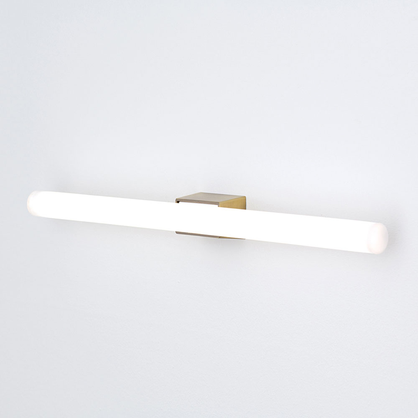 LED-spegellampa Visagist, gammal mässing fäste