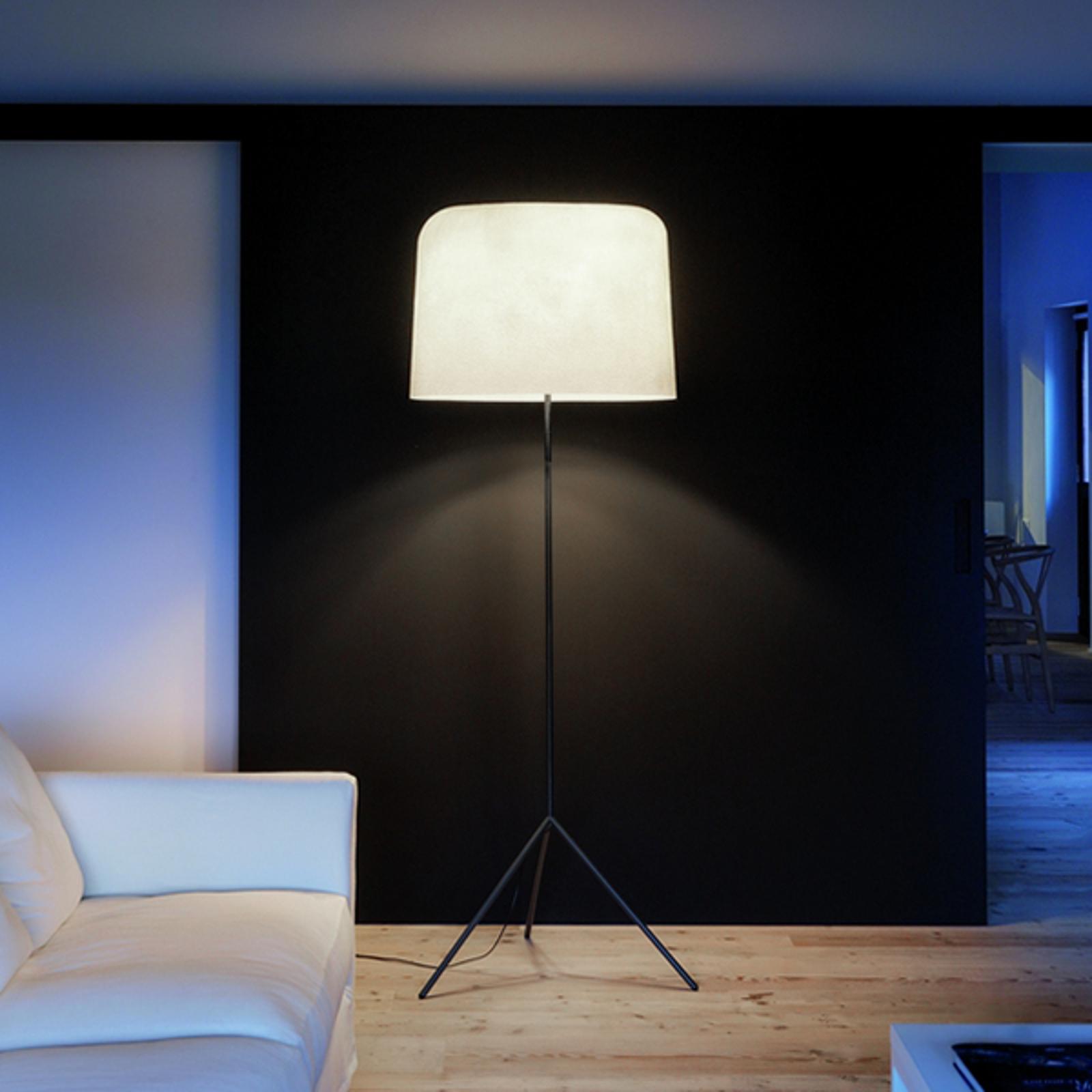 Met een kap van fiberglas - vloerlamp Ola, wit