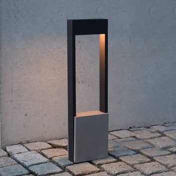Chertan LED-gadelampe med betonelement
