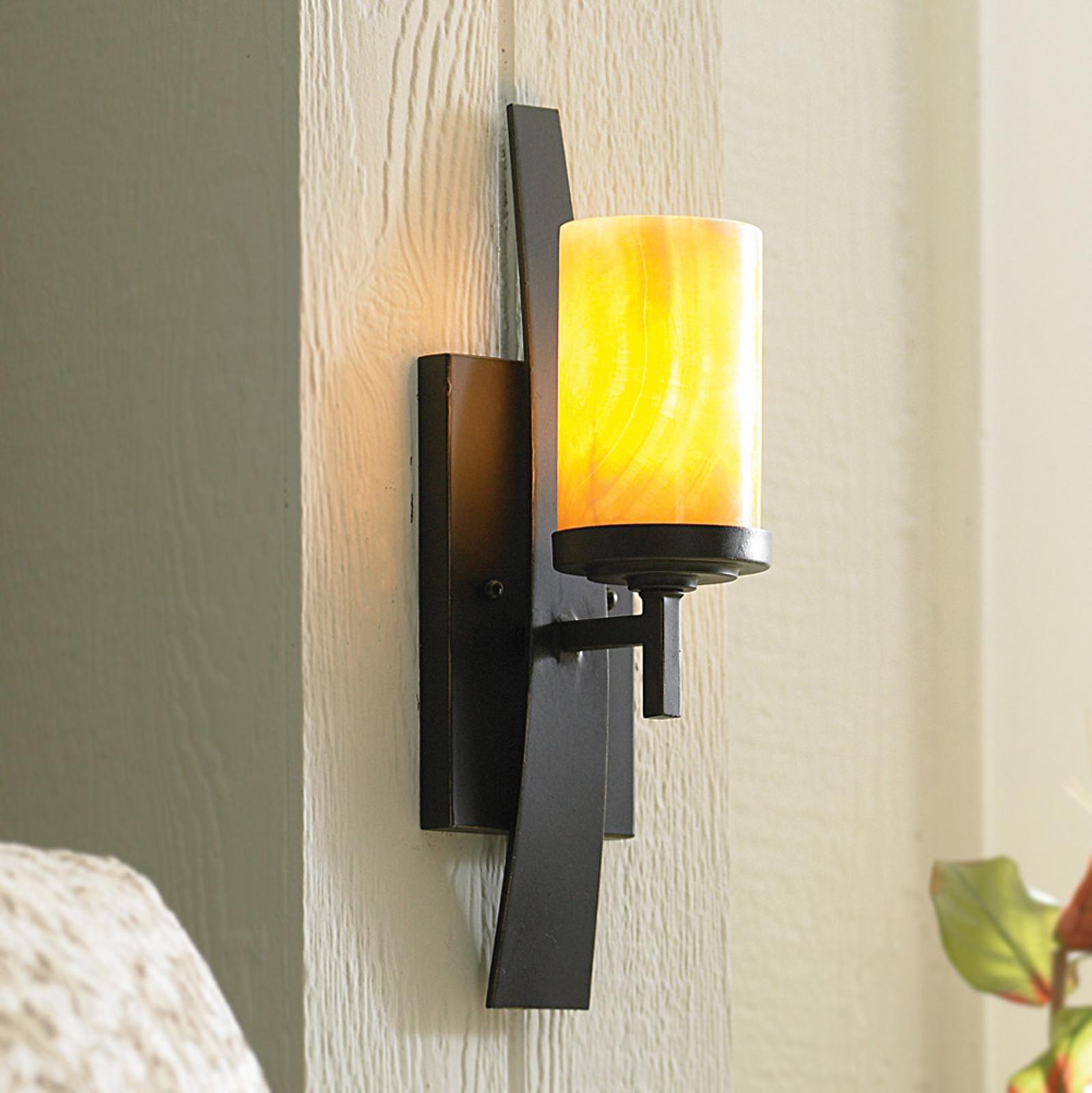 Lámpara de pared Kyle con pantalla de ónyx