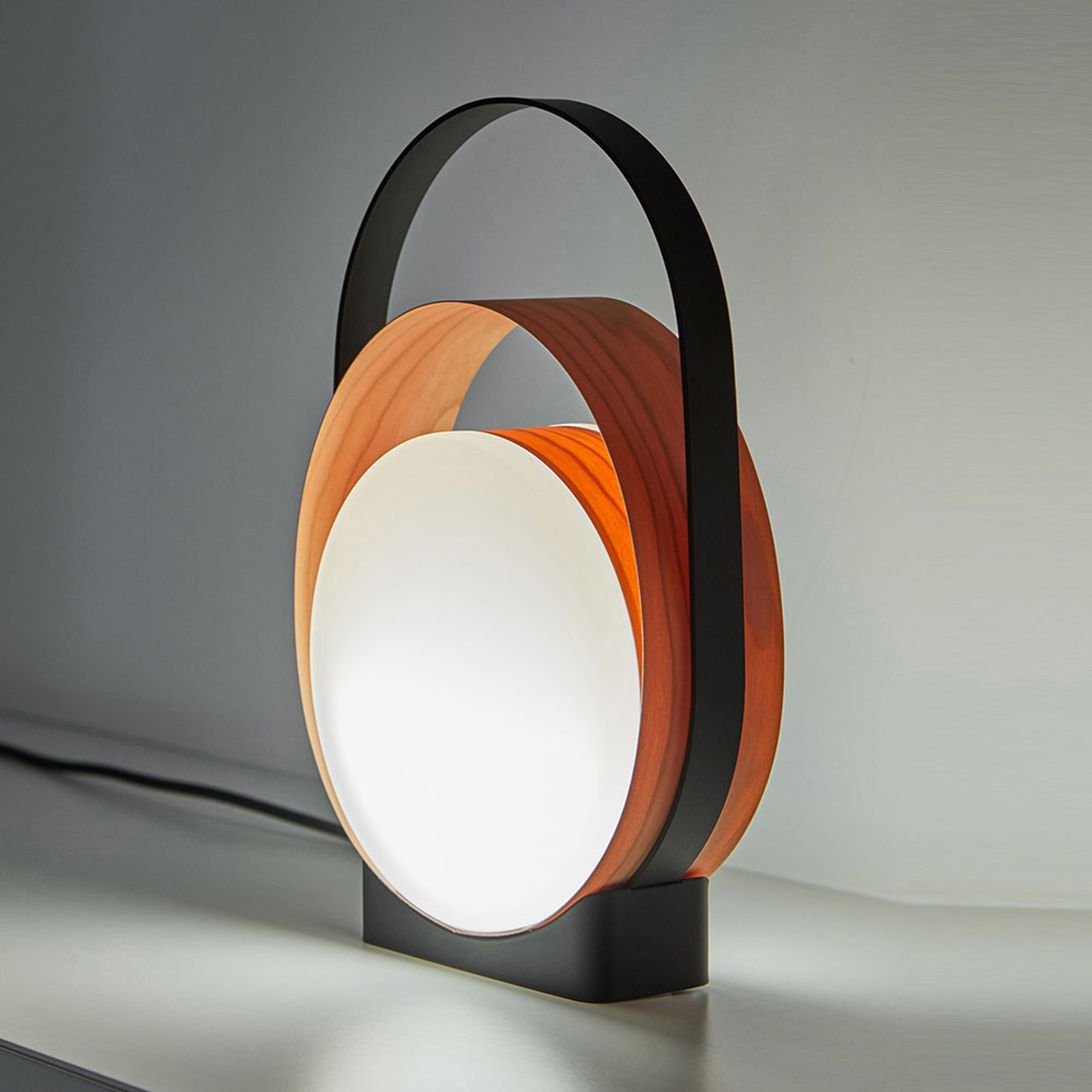 LZF Loop LED tafellamp zwart/kersen natuur