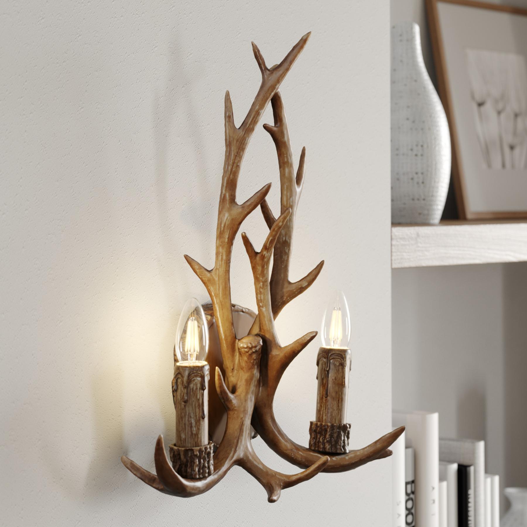 Lindby Fibi wandlamp, gewei, bruin
