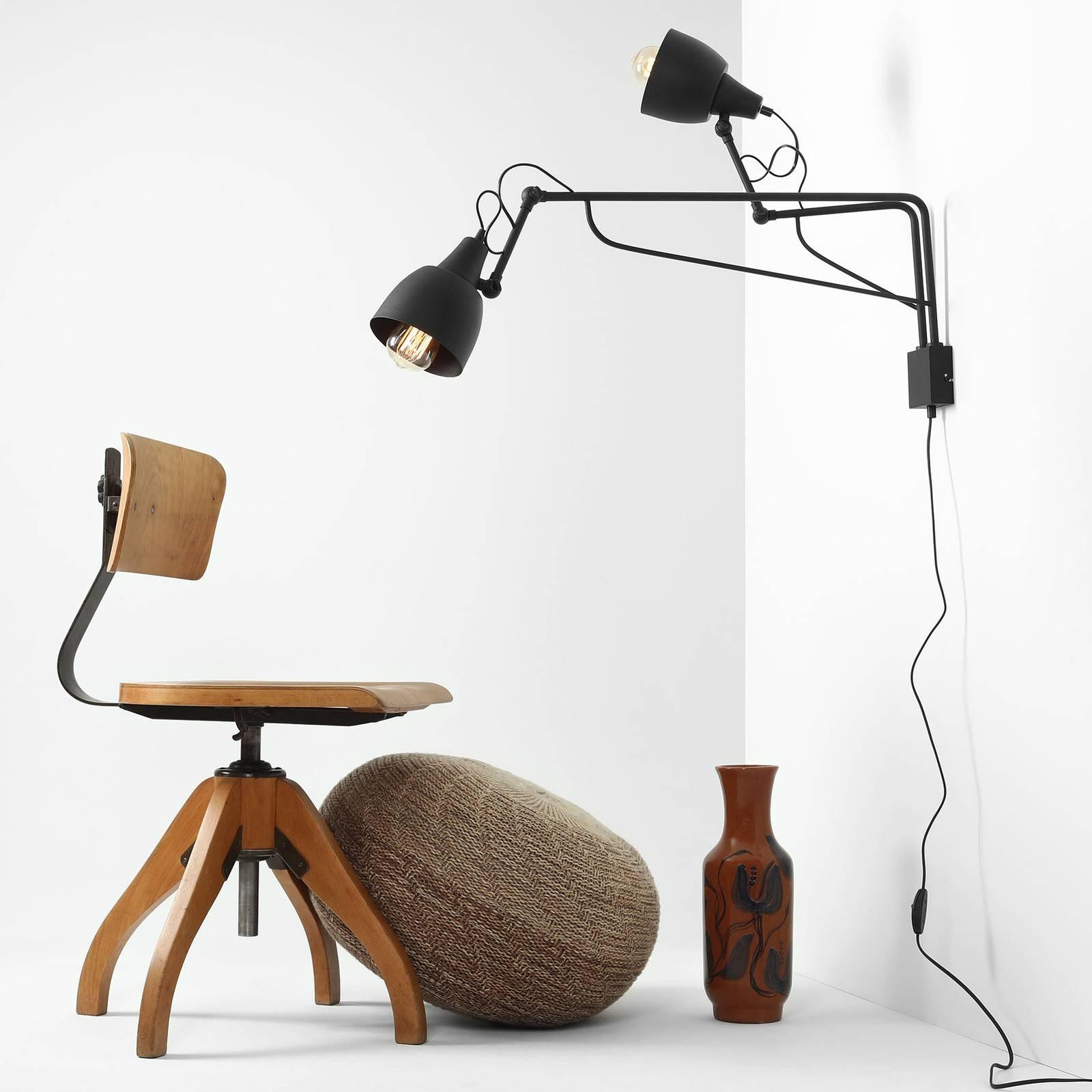 Bilde av 1002 Vegglampe Med Plugg, 2 Lyskilder, Svart