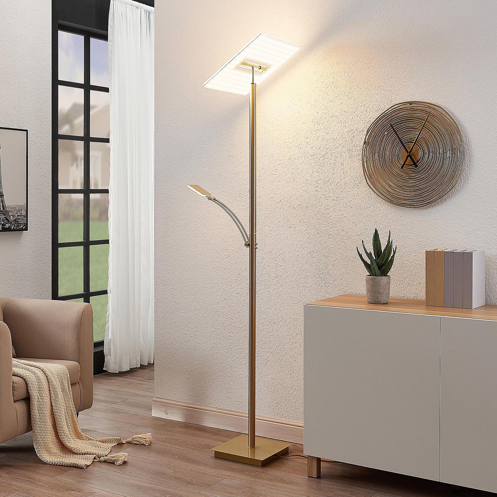 Lucande LED-uplight-golvlampa Joveline, mässing
