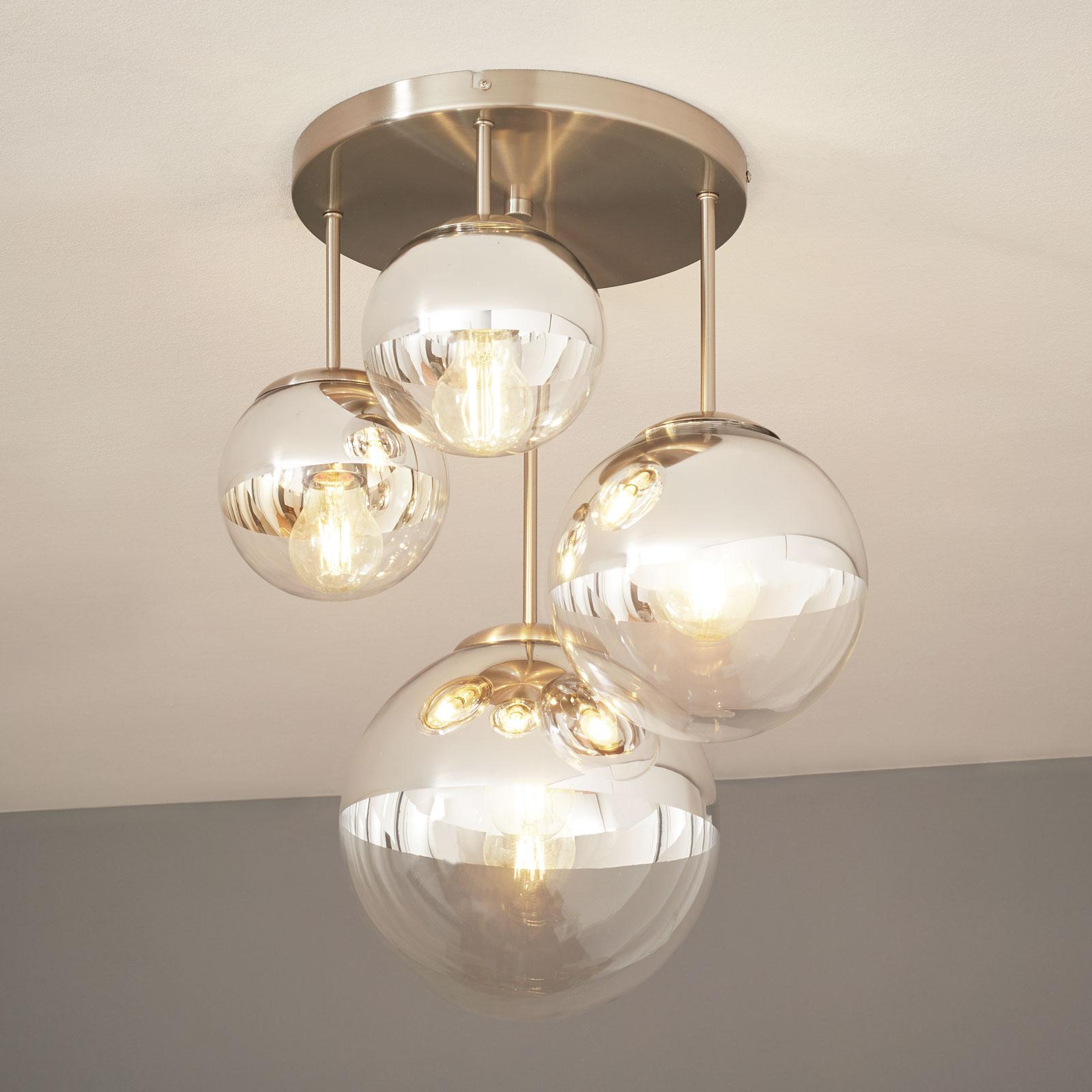Loftlampe Ravena med kugler, fire lyskilder