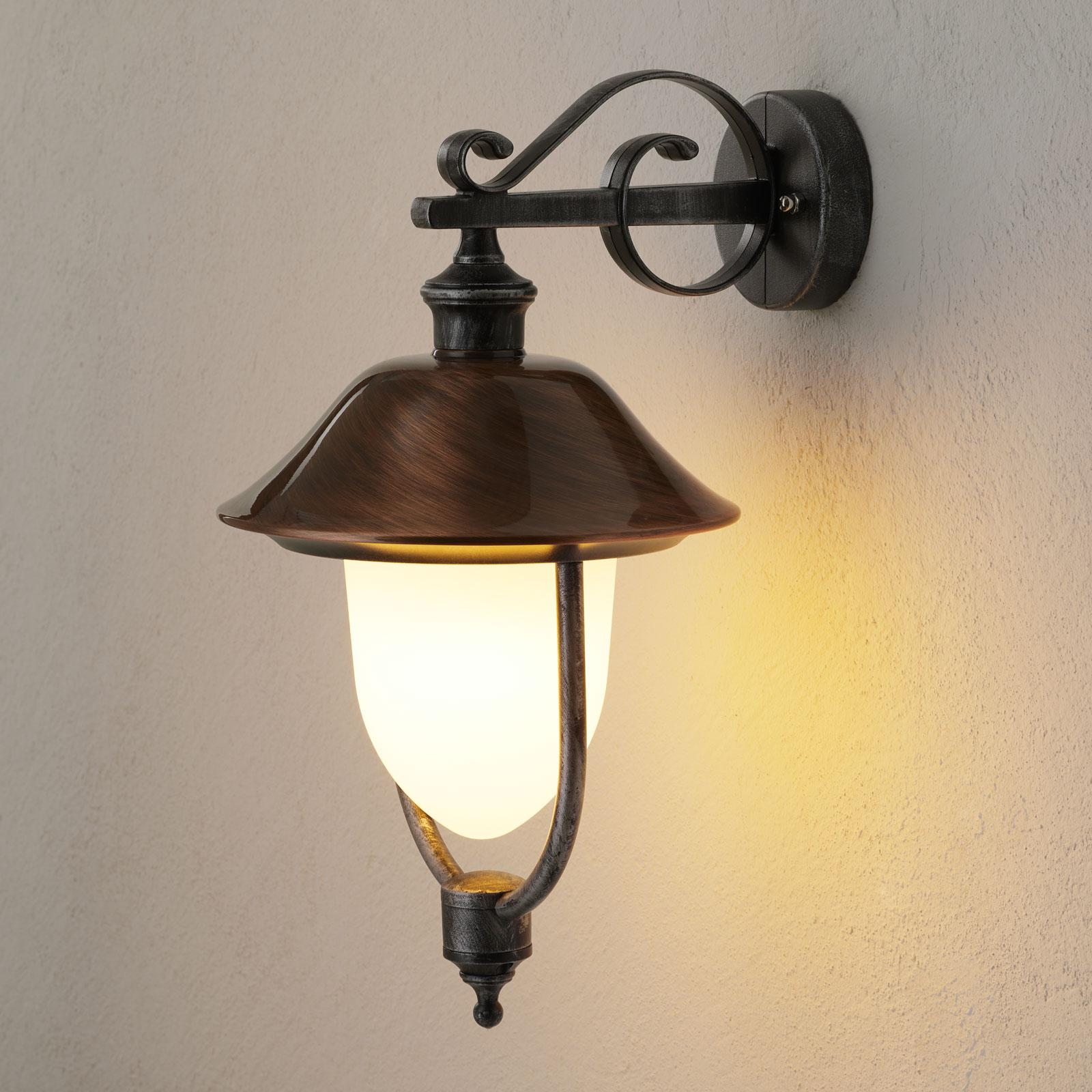 Zewnętrzna lampa ścienna Peggy miedziana wisząca