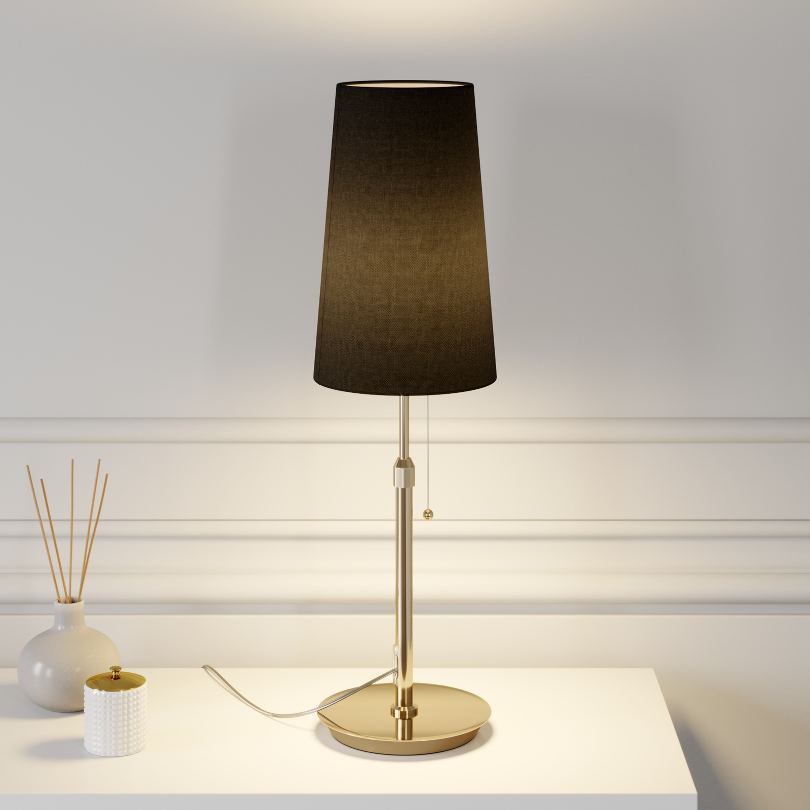 Lucande Pordis bordslampa, mässing-svart