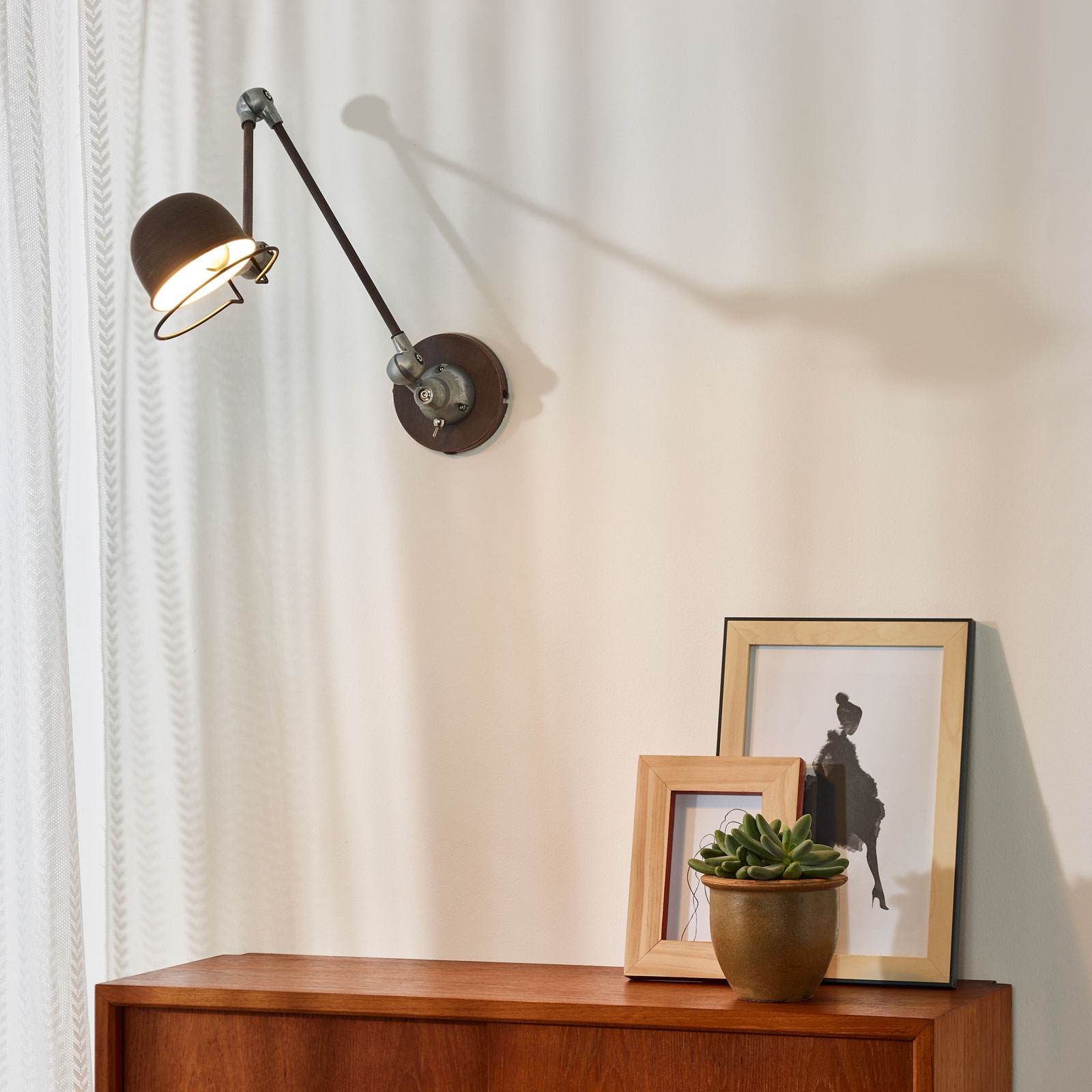 Roestbruine industriële wandlamp Honore, verstelb.