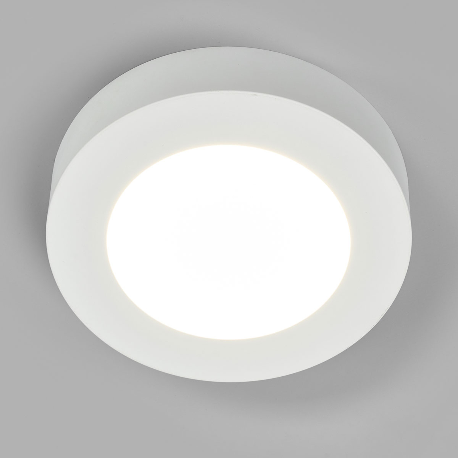 LED-taklampe Marlo, hvit, 4000K rund 18,2cm